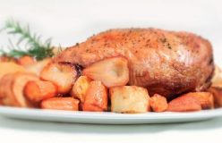 Roast lamb with pears