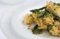 Stir fried squid and asparagus with black pepper